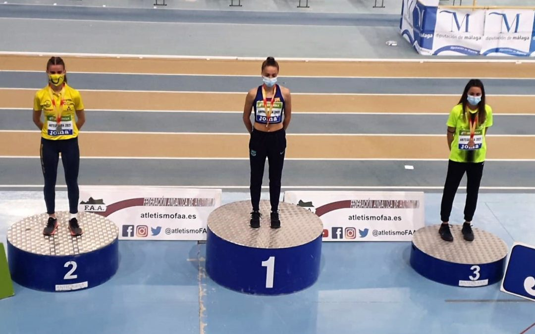 Podium de la final de 800 m en el Campeonato de España Sub20